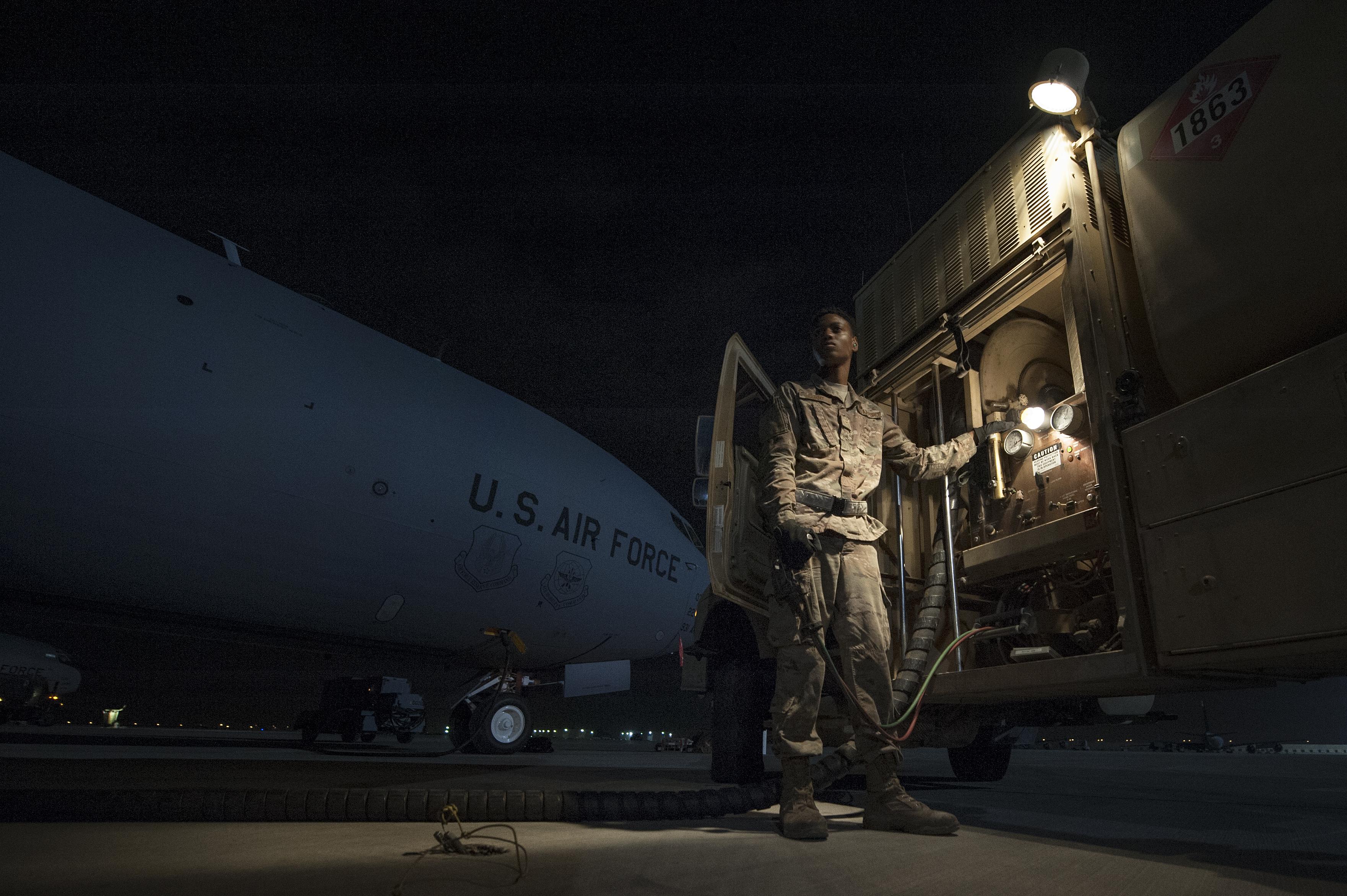Airman sets 2018 base fueling record