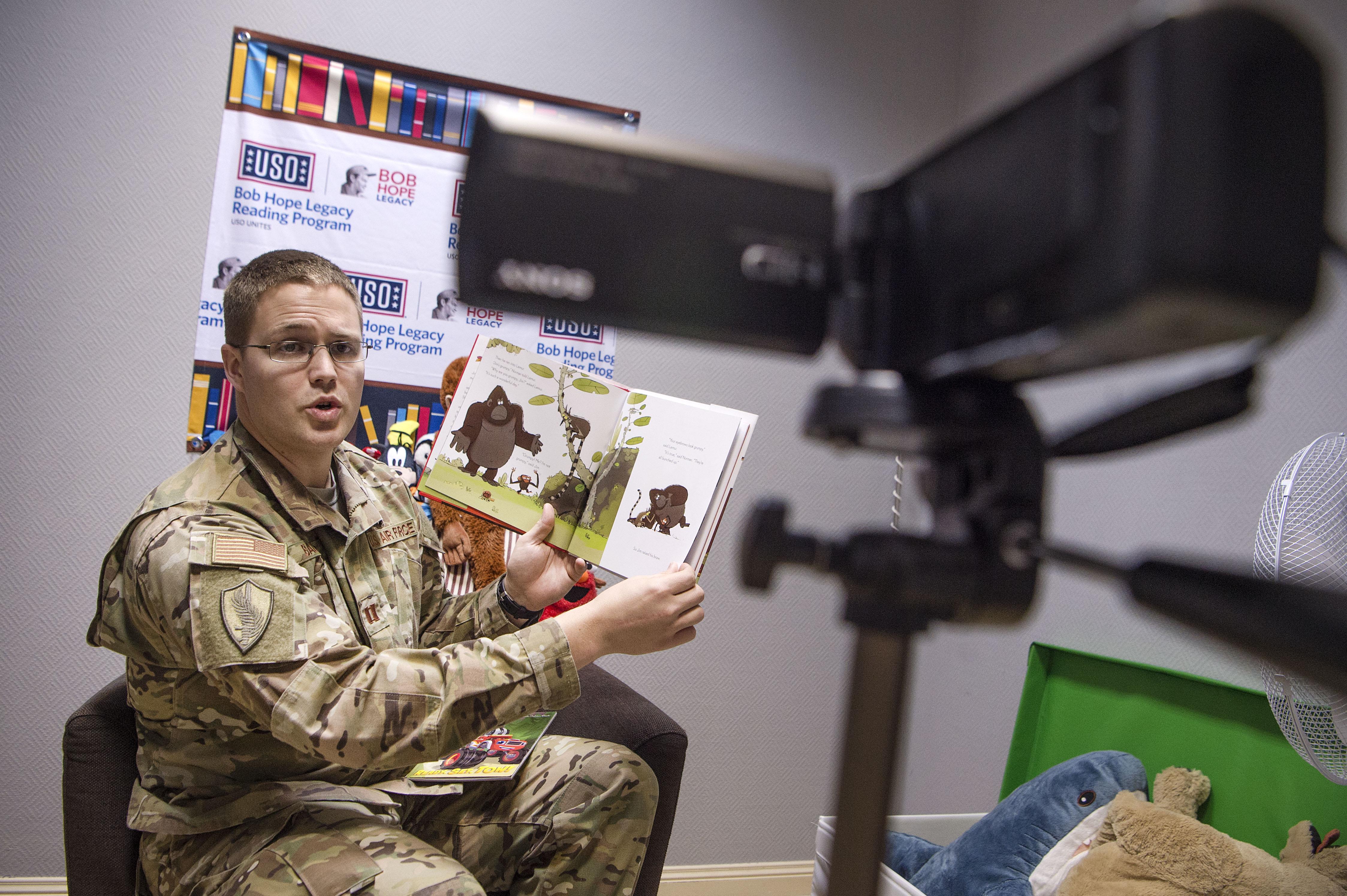 USO reading program brings AUAB families closer